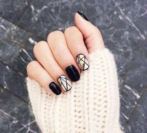 Tutorial manichiura geometrica cu glitter